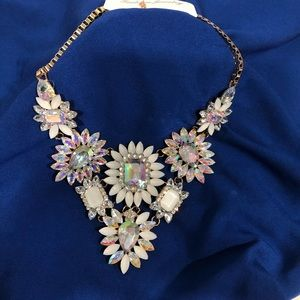 Brand new floral statement necklace